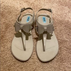EUC Oka B. T-Strap Sandals in Dove Grey size 8